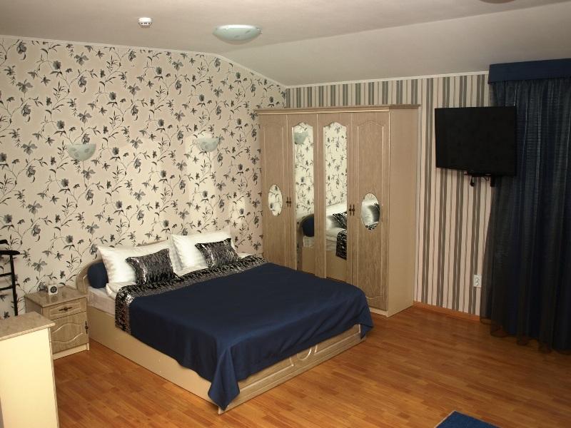 178Leon Hotel