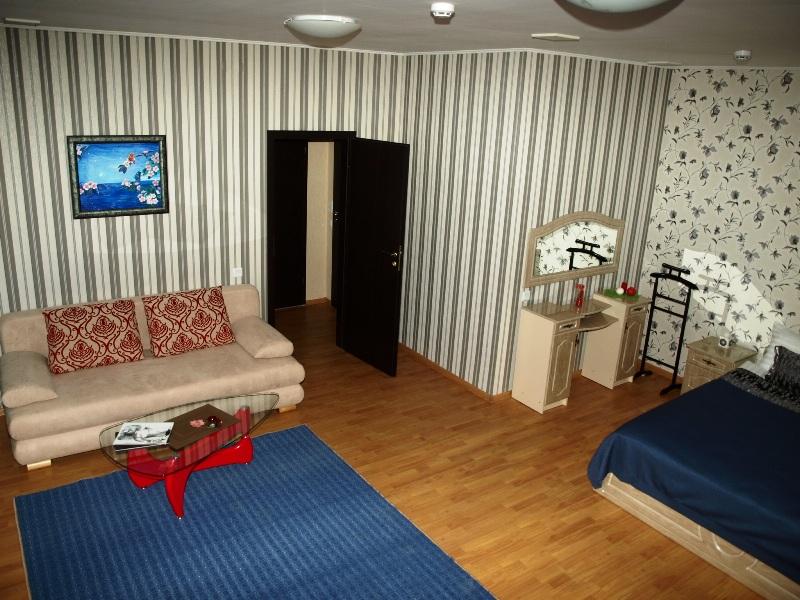 245Leon Hotel