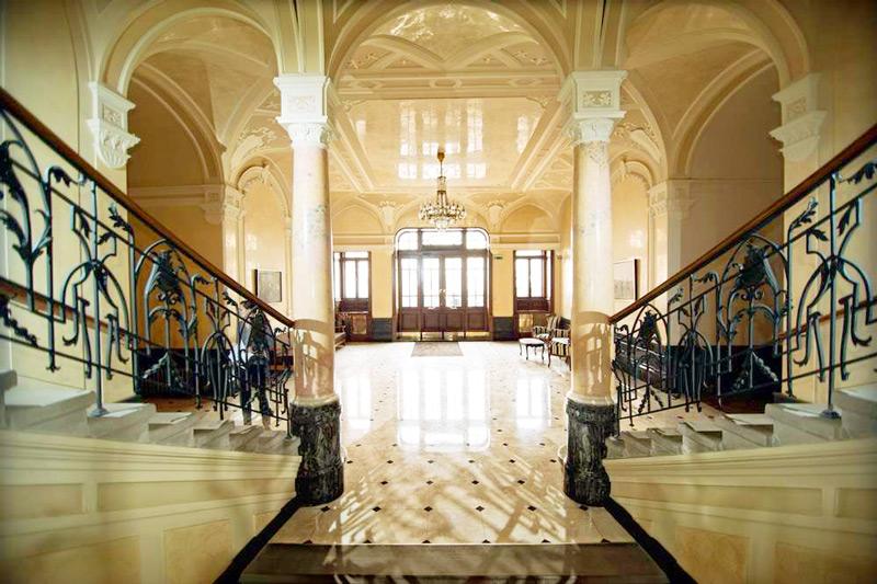 George Hotel lobbyОтель Жорж