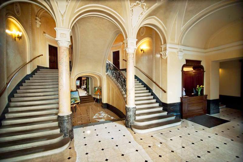 George Hotel lobby1Отель Жорж