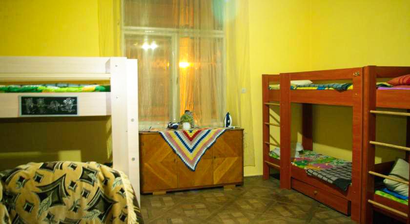 cats house hostel bedroom 1Хостел Кошкин дом