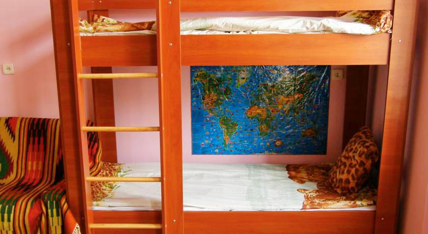 cats house hostel bedroomХостел Кошкин дом