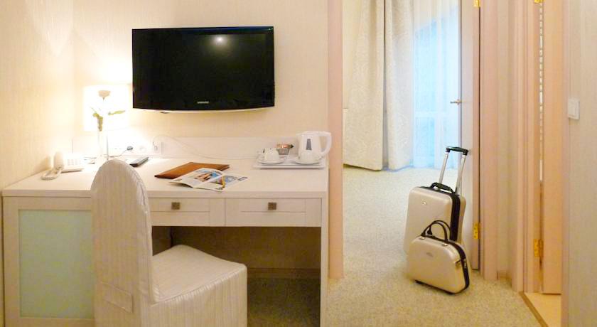 eney hotel lviv suite 8Отель Эней