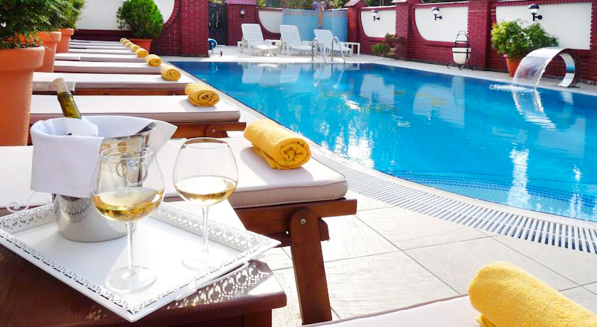 eney hotel lviv waterpool 2Отель Эней