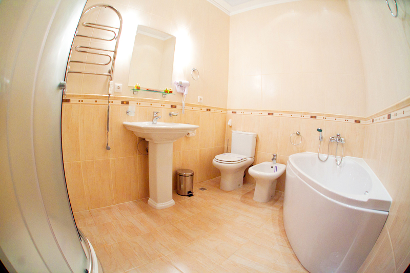 hotel edem semi lux suite bathroomГостиница Эдем
