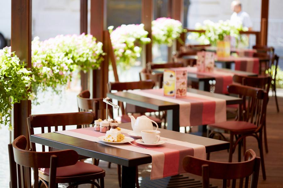 leopolis hotel suite cafe 1Отель Леополис