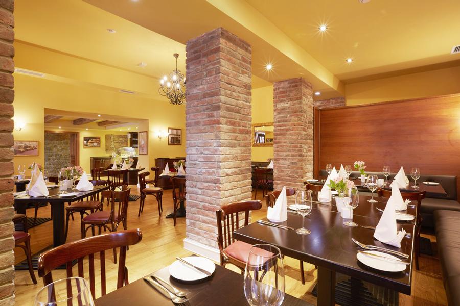 leopolis hotel suite restaurant 2Отель Леополис