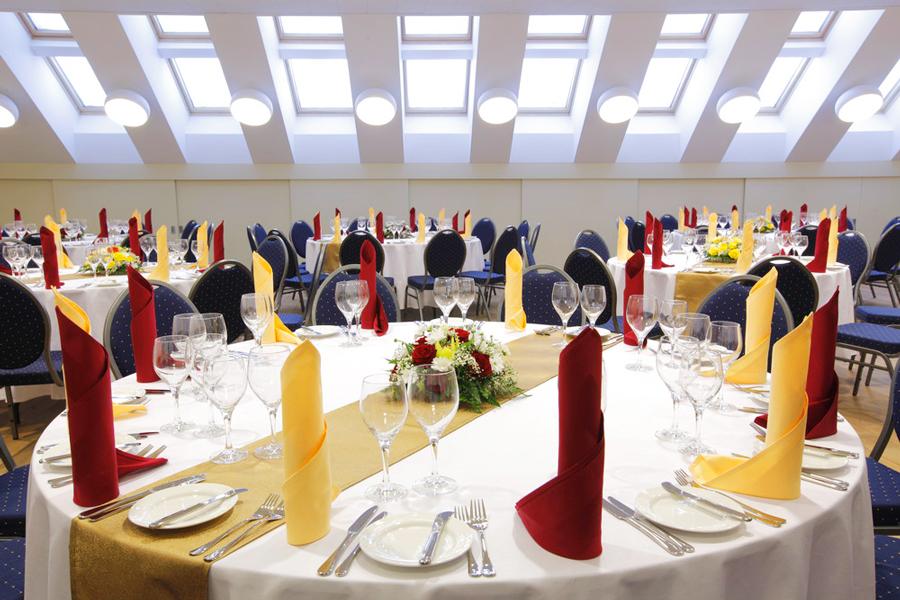 leopolis hotel suite restaurantОтель Леополис