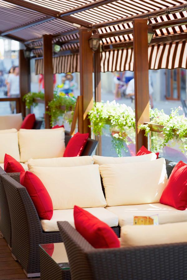 leopolis hotel summer terrace 1Отель Леополис