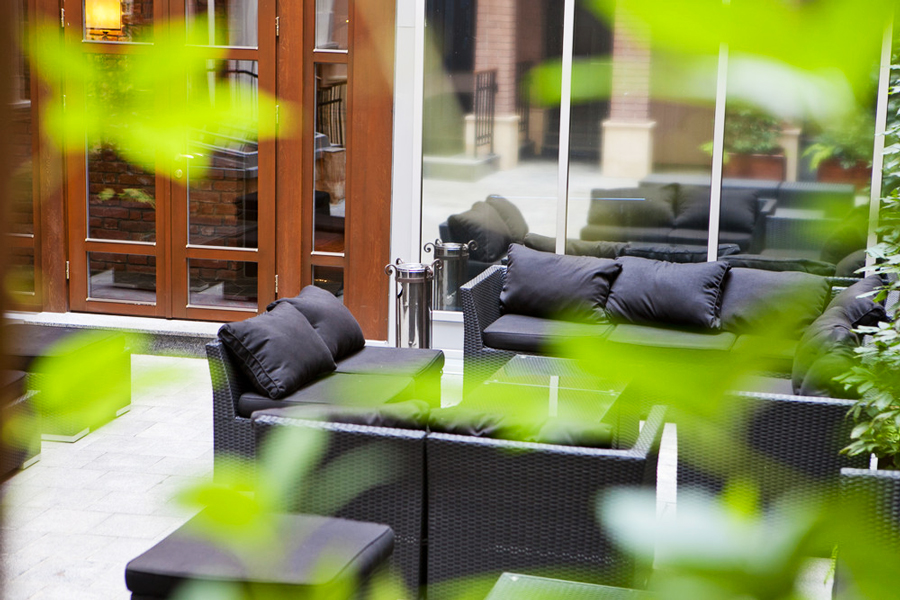 leopolis hotel summer terrace 2Отель Леополис