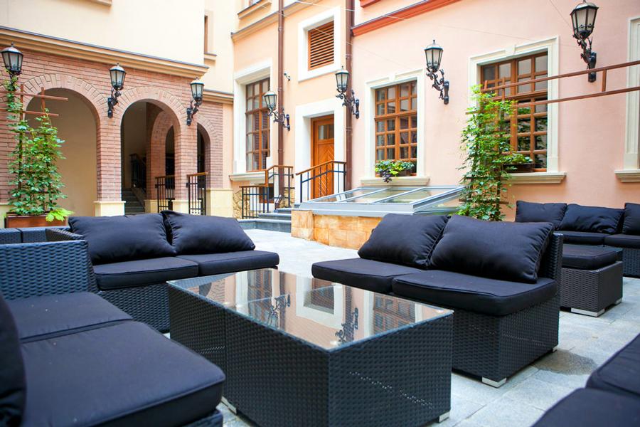 leopolis hotel summer terrace 3Отель Леополис