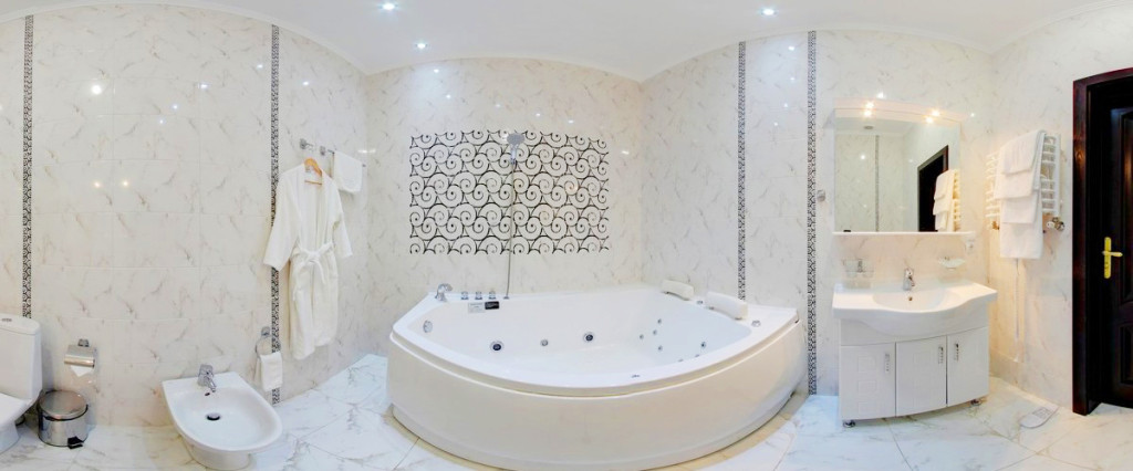 leotel hotel lviv apartment bathroom 1024x426Отель Леотель