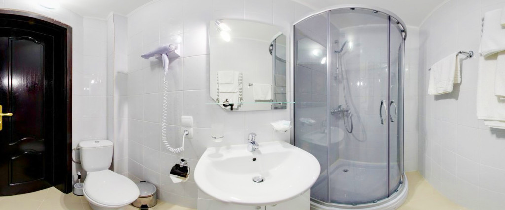 leotel hotel lviv business standart suite bathroom 1 1024x426Отель Леотель