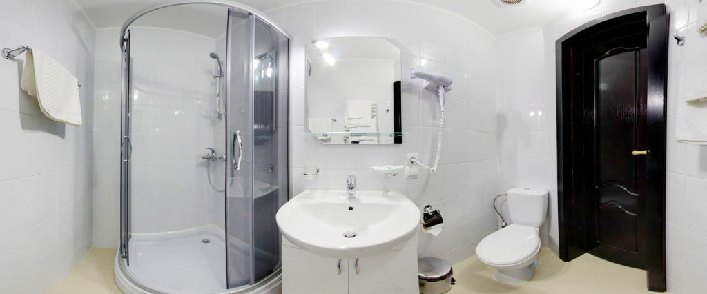 leotel hotel lviv business standart suite bathroom 1024x426Отель Леотель