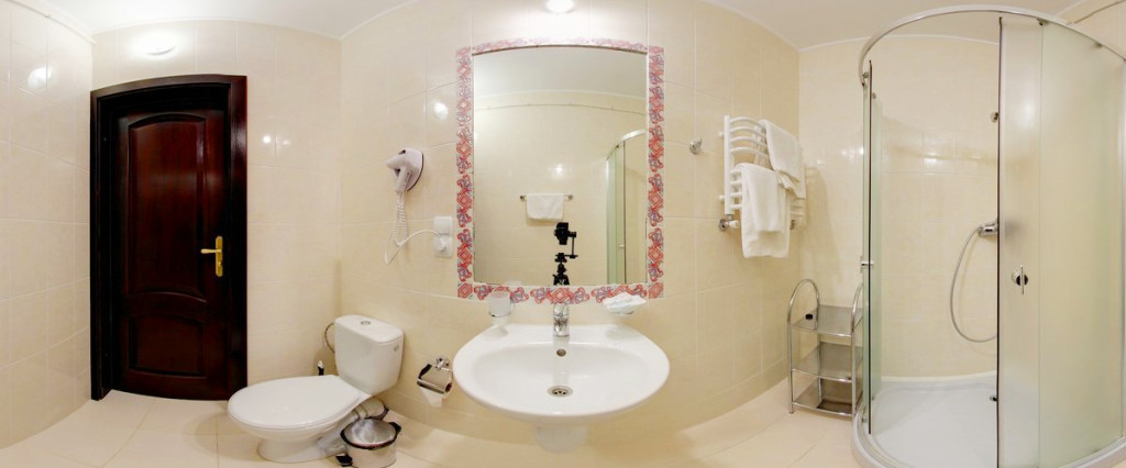 leotel hotel lviv business standart suite bathroom 2 1024x426Отель Леотель