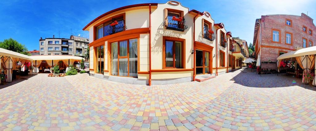 leotel hotel lviv front 1 1024x426Отель Леотель
