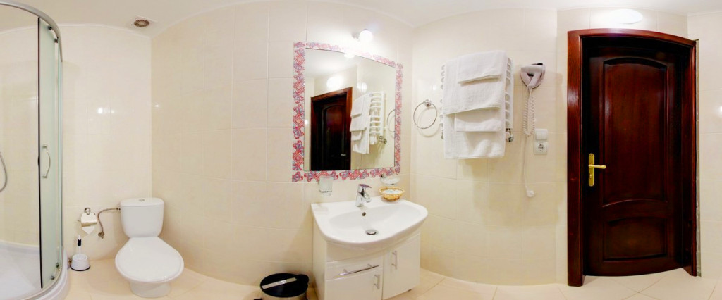 leotel hotel lviv standart suite bathroom 1024x426Отель Леотель
