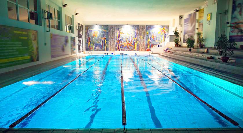lh hotels spa poolГостиница LH Hotel & SPA