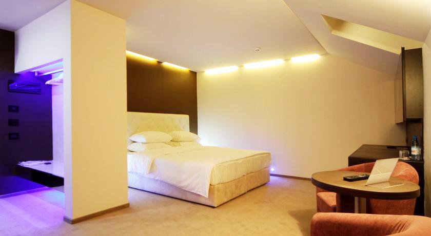 lh hotels spa suiteГостиница LH Hotel & SPA