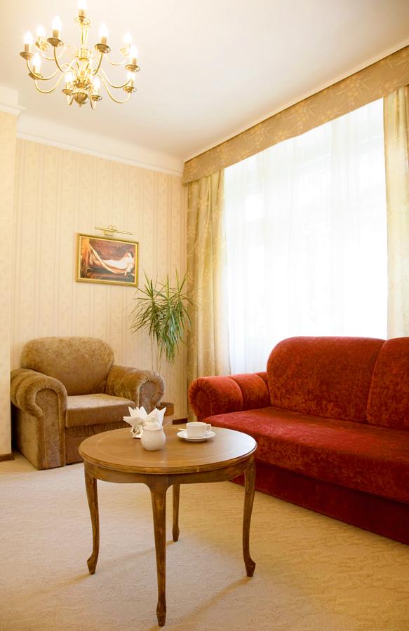 lion castle hotel austrian semi lux suite 2Гостиница Замок Льва