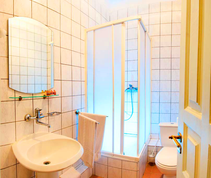 lion castle hotel austrian suite standart bathroom 3Гостиница Замок Льва