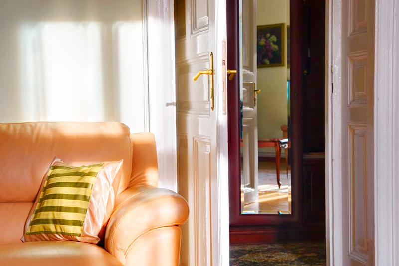 lion castle hotel lux suite 1Гостиница Замок Льва