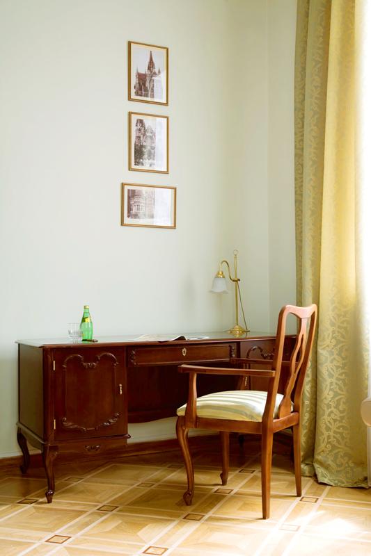 lion castle hotel lux suite 3Гостиница Замок Льва