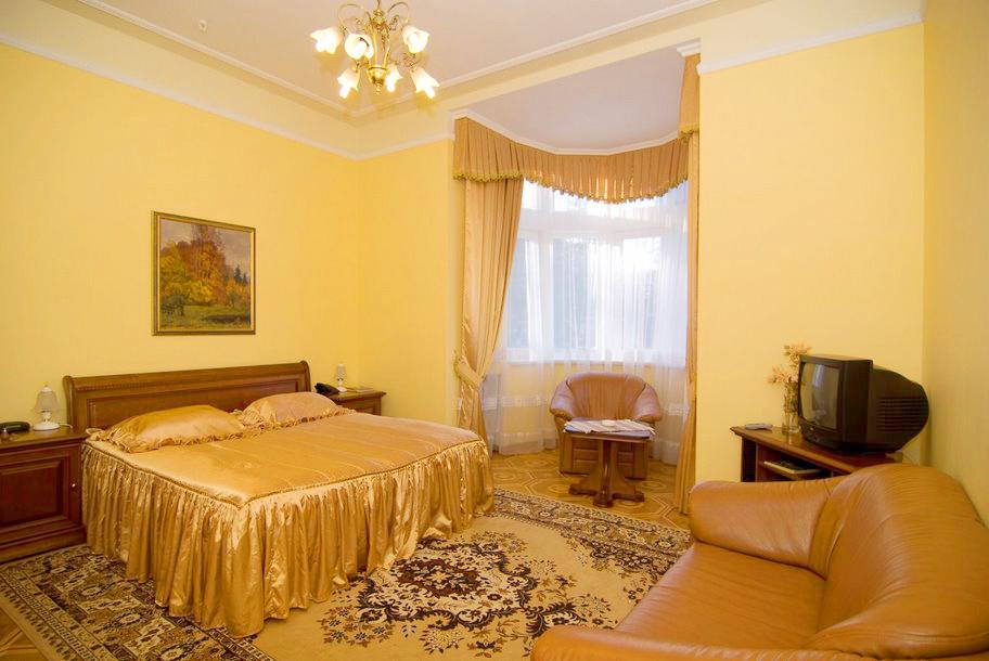 lion castle hotel semi lux suite 6Гостиница Замок Льва
