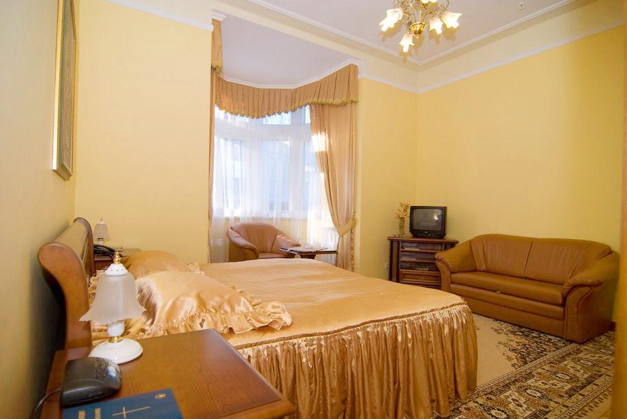 lion castle hotel semi lux suite 7Гостиница Замок Льва