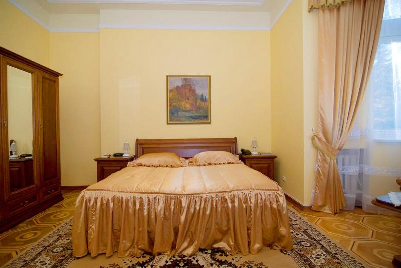 lion castle hotel semi lux suiteГостиница Замок Льва