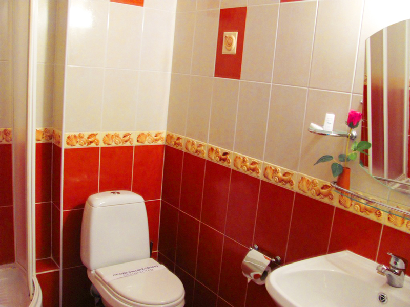 mars hotel komfort suite bathroomОтель Марс