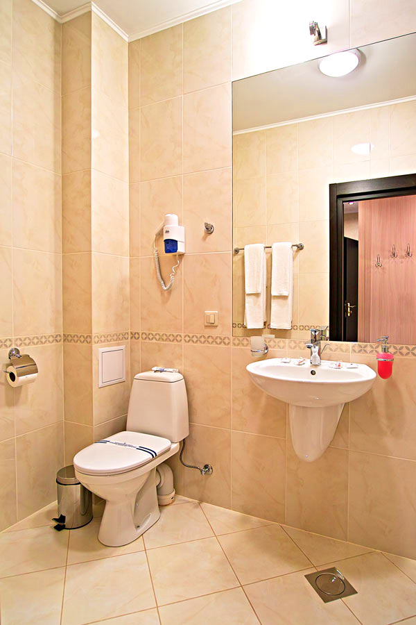 nota bene hotel bathroom 2Отель Нота Бене