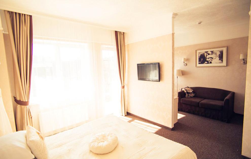 nota bene hotel bridal suite 2Отель Нота Бене