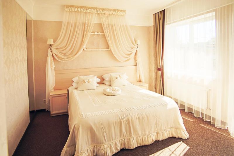 nota bene hotel bridal suite 3Отель Нота Бене
