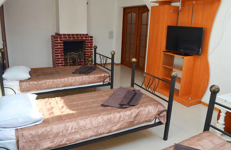 plazma hotel lviv semi lux triple 1Отель Плазма