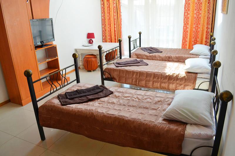 plazma hotel lviv semi lux tripleОтель Плазма