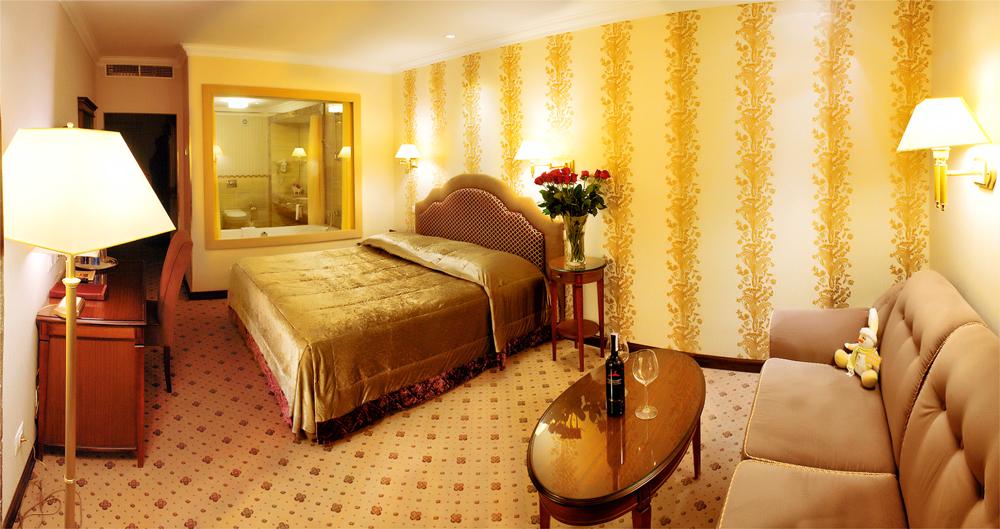 swiss hotel family suite bedroom 1Отель Швейцарский