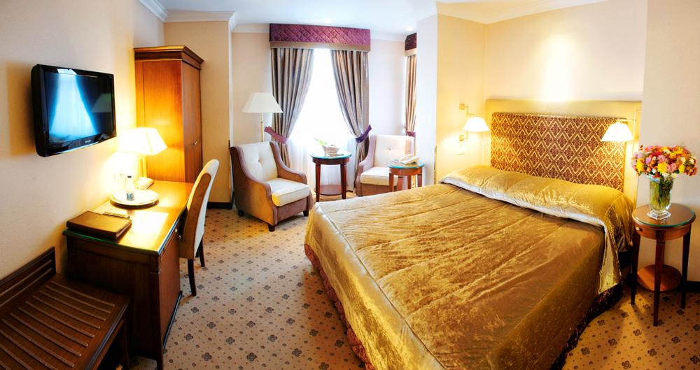 swiss hotel family suite bedroom 2Отель Швейцарский