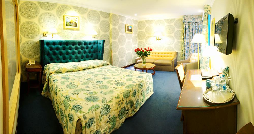 swiss hotel family suite bedroom 4Отель Швейцарский