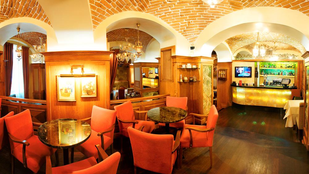swiss hotel restaurant Valentino 1Отель Швейцарский