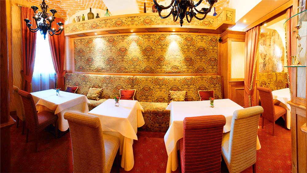 swiss hotel restaurant Valentino 4Отель Швейцарский