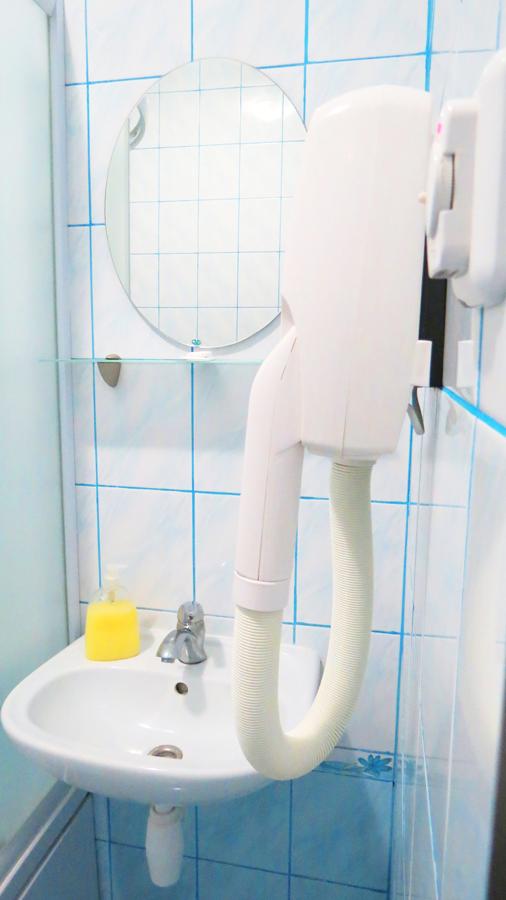 villa kmeller standart double room bathroom 2Вилла Кмеллер