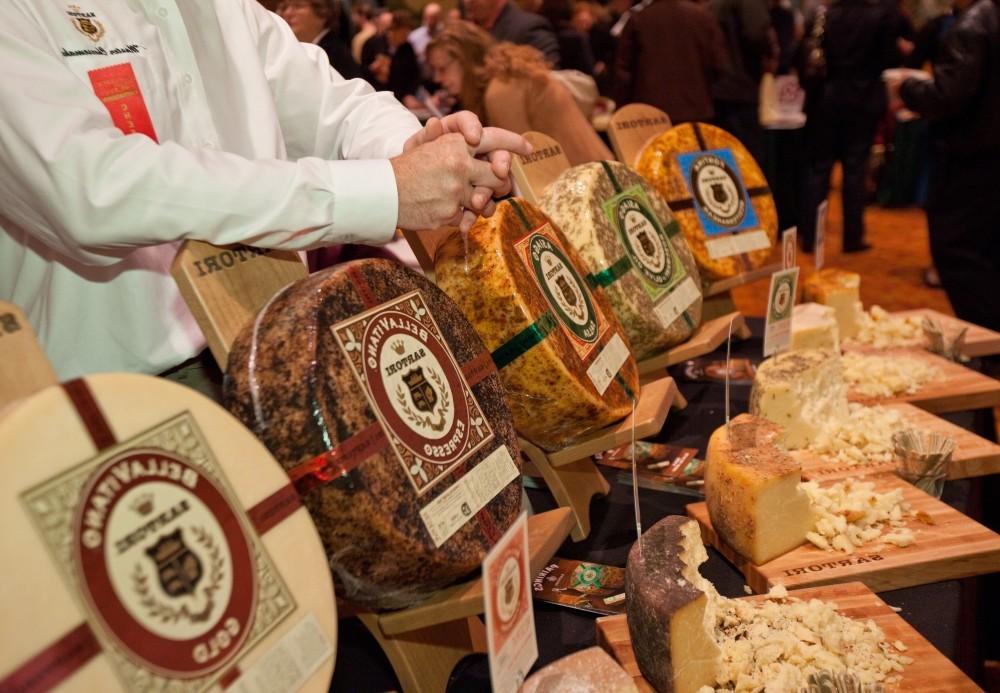 wis cheese Sartoricheeses MTC2011 e1443098613289Фестивали Львова